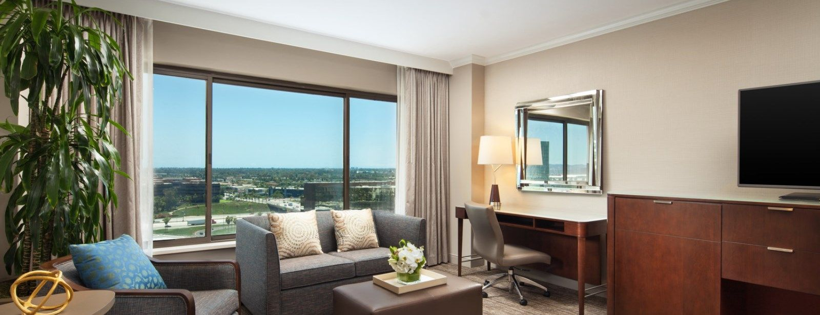 Junior Suites | The Westin South Coast Plaza, Costa Mesa